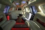Лимузин Cadillac Escalade для свадьбы в городе Астана.
